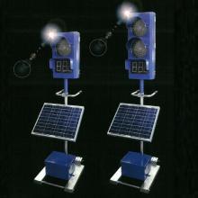 『ソーラー式工事用信号機』 製品画像