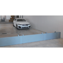 スライド式浸水シャッター(駐車場用) 製品画像