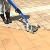 石材・磁器タイル舗装の洗浄が可能!【温水高圧 吸引一体型洗浄機】 製品画像