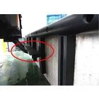 【物流センターの建屋とトラックを守る】縦着けクッションゴム 製品画像