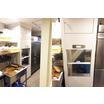 【小荷物専用昇降機 設置事例】パン屋に小荷物専用昇降機/東京都 製品画像