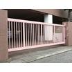 【電動引戸】桜色でポップに仕上げたノンレール引戸【施工事例】 製品画像