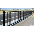 【歩道用防護柵】ガードフェンス 角格子型 製品画像