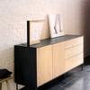 異素材の組み合わせが特徴的な『ブラックバード サイドボード』 製品画像