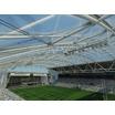 屋根付きスタジアムで天然芝プレーを実現する透明材料 製品画像