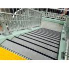 【歩道橋】超耐久 滑り止め 製品画像