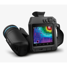 高性能ハンドヘルド型サーモグラフィカメラ『FLIR T865』 製品画像