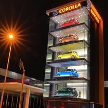 自動車ディーラー様ショールーム向け『立体車両展示装置ATD』 製品画像