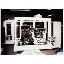 機械 エンジンヘッド組み付け機 製品画像