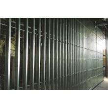 補強材なしで軽鉄で10mの間仕切壁を実現!タワーウォール 製品画像