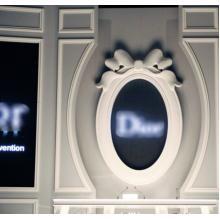 看板、テレビ・舞台造形物制作事例 某ブランド様コレクション 製品画像