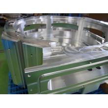 大型アルミ切削加工例 「半導体製造装置 大型チャンバー」 製品画像