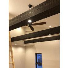 古材風の造作材「施工が簡単」で「軽量」な「デザイン」建材です。 製品画像