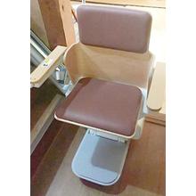 【いす式階段昇降機 設置事例】木造住宅に新しく設置 製品画像
