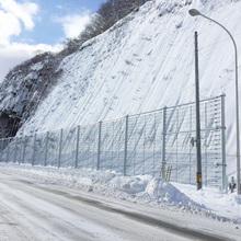 雪崩防護柵『スロープガードフェンス タイプLS』 製品画像