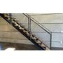 「メタルメッシュパネル」の階段パネル装飾施工事例 製品画像