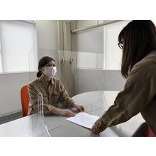 【丈夫で割れにくい】ポリカーボネート製 飛沫防止パネル 製品画像